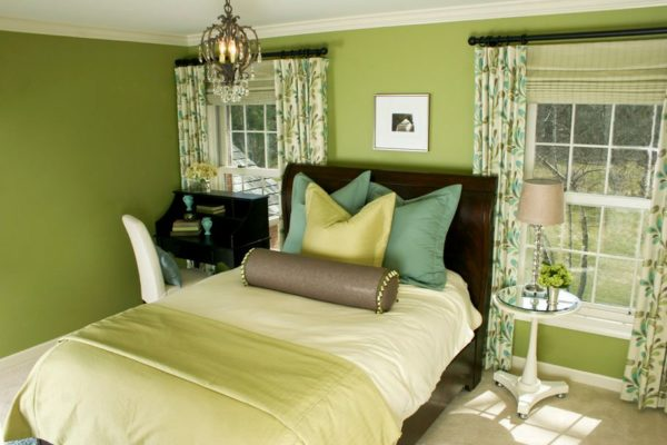 Спальня в зелёных тонах