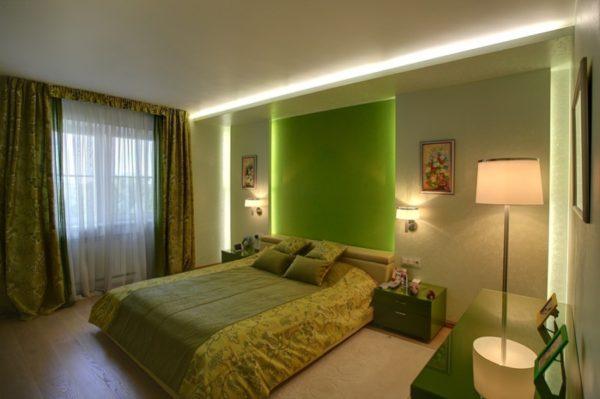 Интерьер спальни в зелёных и бежевых тонах