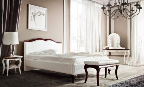 Кровать, сочетающая тёмный и светлый цвета