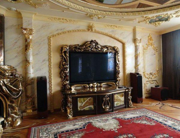 Телевизор в английском стиле