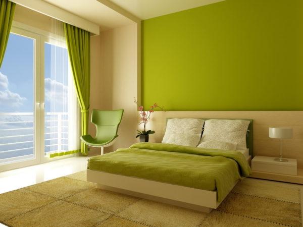 Однотонный ковёр в спальной комнате