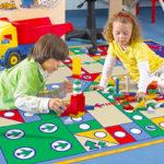 Ковёр-игра в детской комнате
