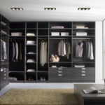 Общая гардеробная в стиле модерн