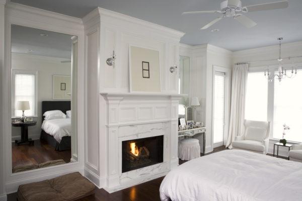 Спальня в серо-белой гамме