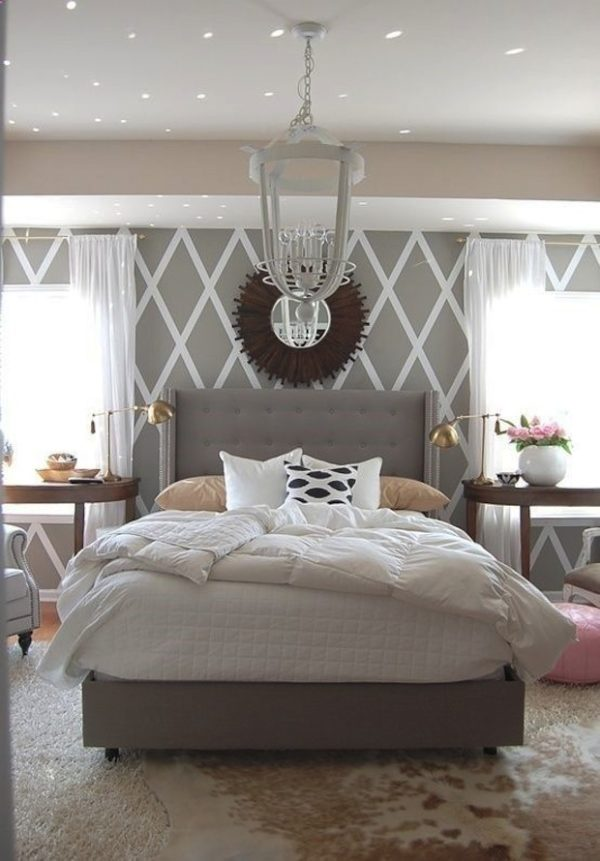 Спальня с акцентами розового цвета