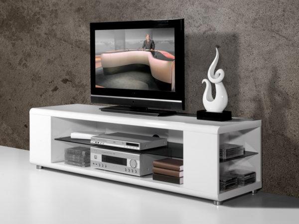 Телевизор в комнате в стиле хай-тек